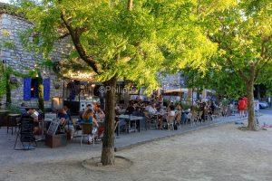 IMG_16076132_drome (26)  la garde adhemar les plus beaux village