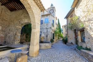 IMG_1909121071_Vaucluse (84)  Séguret Plus beaux villages de Fr
