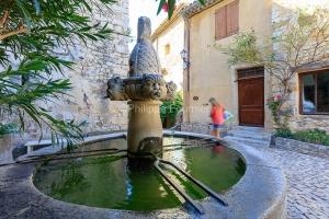 IMG_1909121110_Vaucluse (84)  Séguret Plus beaux villages de Fr