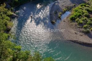 IMG_18060085_drome (26)  nyons un pêcheur la riviere eygues.