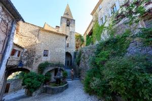 IMG_1907092764_Vaucluse (84)  Crestet Villages perchés fontaine