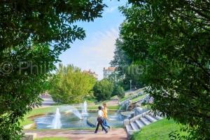 IMG_1908315140_Drôme (26)  Valence Parc Jouvet Fontaine devant