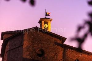 IMG_1909041273_Drôme (26)  Alixan village circulaire clocher de