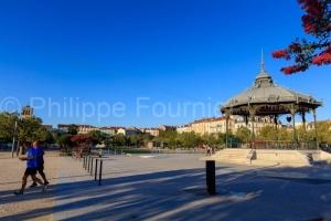 IMG_1909041545_Drôme (26)  Valence Ville et Village esplanade d