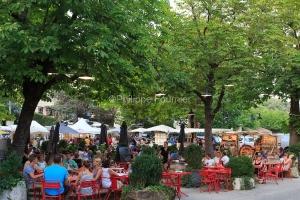 IMG_15070087_Marche-Createur Villes-et-Villages Banne Ardeche