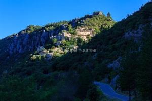 IMG_1907072137_Vaucluse (84)  Brantes Villages perchés, le vill