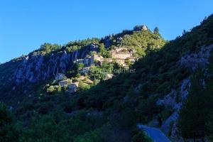 IMG_1907072141_Vaucluse (84)  Brantes Villages perchés, le vill