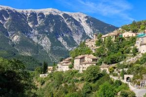IMG_1907072232_Vaucluse (84)  Brantes Villages perchés, le bas