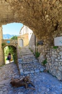 IMG_1907092649_Vaucluse (84)  Brantes Villages perchés, l'ombre