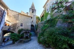 IMG_1907092728_Vaucluse (84)  Crestet Villages perchés fontaine