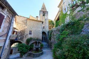 IMG_1907092729_Vaucluse (84)  Crestet Villages perchés fontaine
