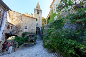 IMG_1907092742_Vaucluse (84)  Crestet Villages perchés fontaine