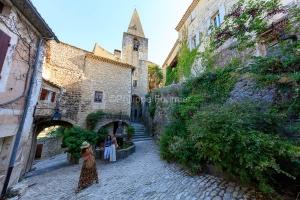 IMG_1907092746_Vaucluse (84)  Crestet Villages perchés fontaine