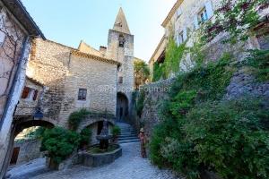 IMG_1907092763_Vaucluse (84)  Crestet Villages perchés fontaine