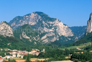 IMG_261657_drome (26)  saou le village rocher de la grande pomer