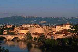 IMG_261741_drome (26)  bourg de peage vue du bourg la rivière i