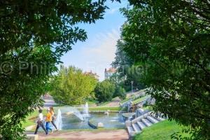 IMG_1908315146_Drôme (26)  Valence Parc Jouvet Fontaine devant