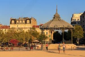 IMG_1909041577_Drôme (26)  Valence Ville et Village esplanade d