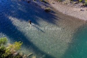 IMG_18060090_drome (26)  nyons un pêcheur la riviere eygues.