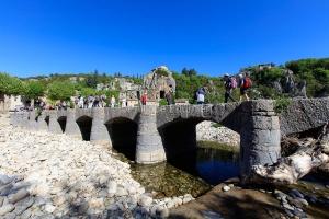 IMG_16051857_Ardèche (07)  labeaume village de caractère pont