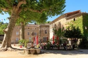 IMG_16051902_Place-du-Sablas-_Terrasse-Cafe_Villes-et-Villages_L