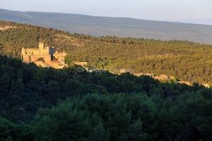 IMG_1907072388_Vaucluse (84)  Le Barroux Pays des Dentelles de M