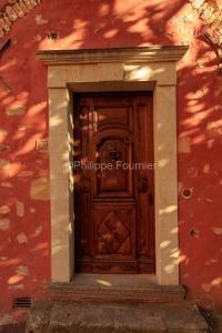 IMG_18071983_Vaucluse (84)  Roussillon Le Village façade et por