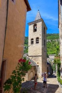 IMG_1906241321_Lozère (48)  Sainte Enimie Gorges du Tarn églis