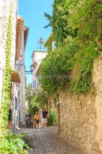 IMG_1909121170_Vaucluse (84)  Séguret Plus beaux villages de Fr