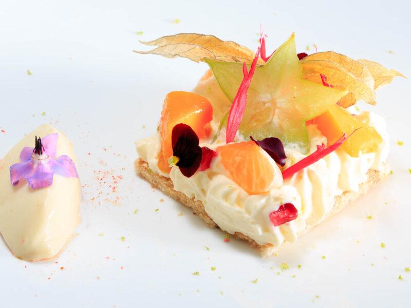 IMG_1411336_Biscuit_succes,_creme_Yuzu_et_fruits_frais_exotiques-_Restaurant_le_Kleber_Crest_Drome