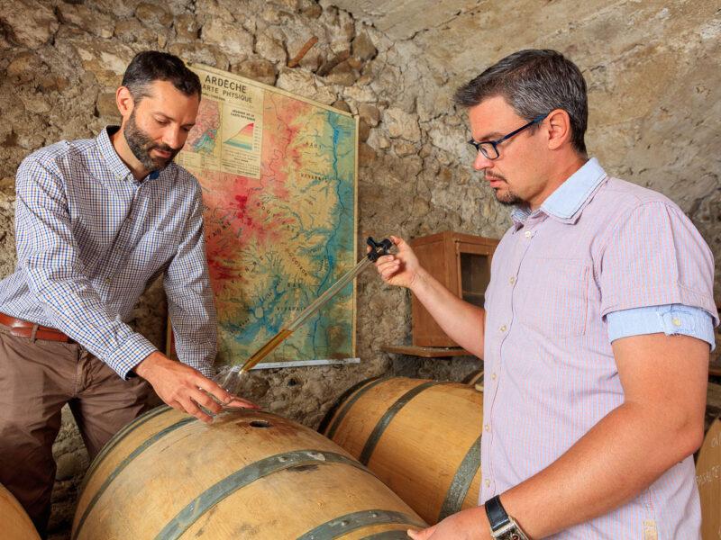 IMG_1906101125_Ardèche (07) Saint Martin d'Ardèche Soutirage Chais de vieillissement, le whisky du Tanargue._