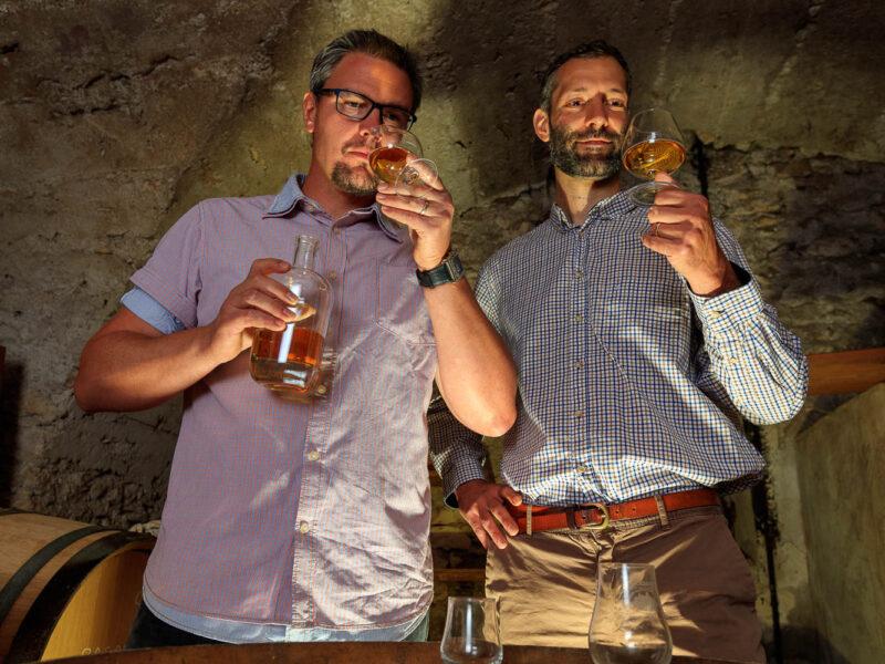 IMG_1906101144_Ardèche (07) Saint Martin d'Ardèche Portrait de Cédric Ollier et François Papin, Chais de vieillissement, le whisky du Tanargue._