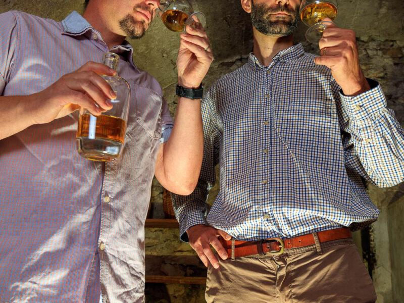 IMG_1906101146_Ardèche (07) Saint Martin d'Ardèche Portrait de Cédric Ollier et François Papin, Chais de vieillissement, le whisky du Tanargue._