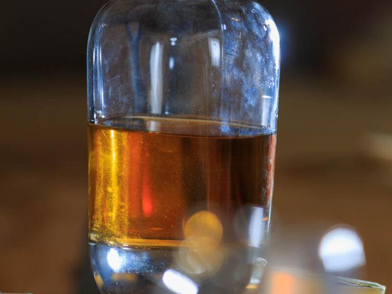 IMG_1906101175_Ardèche (07) Saint Martin d'Ardèche Soutirage Chais de vieillissement, le whisky du Tanargue._