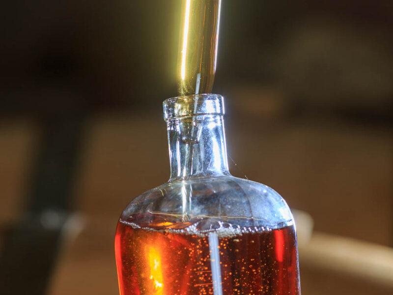 IMG_1906101182_Ardèche (07) Saint Martin d'Ardèche Soutirage Chais de vieillissement, le whisky du Tanargue._