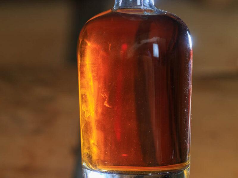 IMG_1906101189_Ardèche (07) Saint Martin d'Ardèche Bouteille Chais de vieillissement, le whisky du Tanargue._