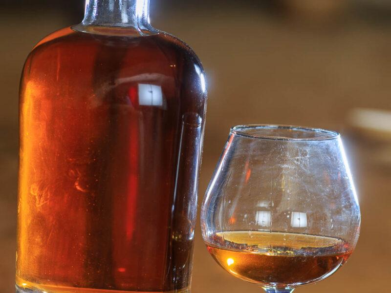 IMG_1906101190_Ardèche (07) Saint Martin d'Ardèche Bouteille Chais de vieillissement, le whisky du Tanargue._
