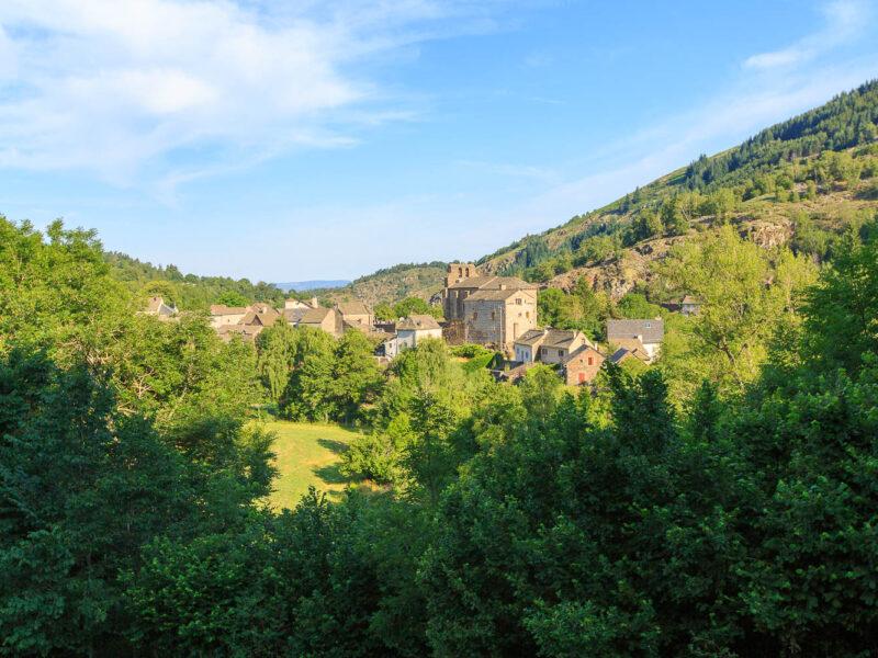 IMG_19077975_Lozère (48) Saint Julien du Tournel Parc National des cévennes le village, clocher de L'église Saint Julien _