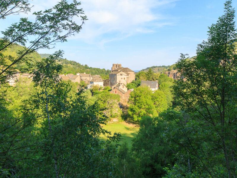 IMG_19077978_Lozère (48) Saint Julien du Tournel Parc National des cévennes le village, clocher de L'église Saint Julien _
